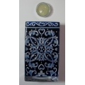 """AMIA - HAND PAINTED GLASS   """"DELFT BLUE VOTIVE 6"""" + TEALIGHT IN GLASS -  HAND PAINTED"""" 9537  MIB"""