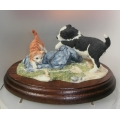 "BORDER FINE ARTS HANDMADE IN SCOTLAND   ""BORDER COLLIE PUP & KITTEN ""WASHDAY BLUES RR04 MINT WITH BOX *"