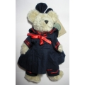 """BOYDS PLUSH COLLECTION """"FIONA. BEAR""""TJ  ( BEARS BEST DRESSED COLLECTION) 91203 MINT"""