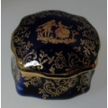 "LIMOGES CASTEL - FRANCE  ""SMALL TRINKET / PILL BOX ACCEPTANCE  MOTIF BLUE LIMOGES"" P160E   NOT BOXED"